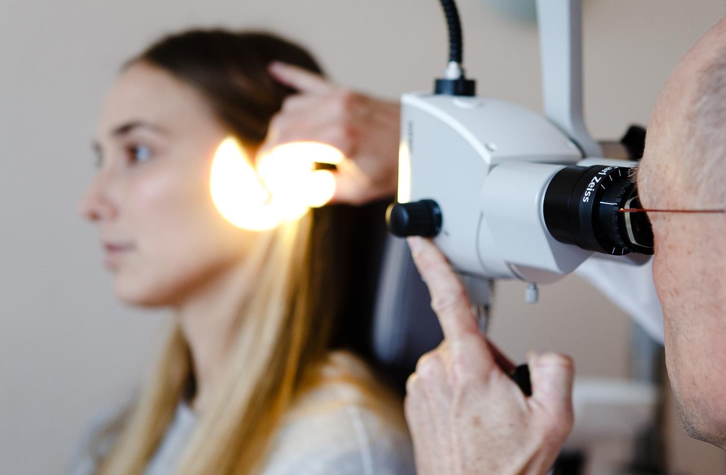 Ohrmikroskopie durch Dr. med Jan Baade